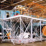 POESCHCO, Mobile Arbeitsbühnen, Sonderkonstruktionen, Flugzeugdock Hydro